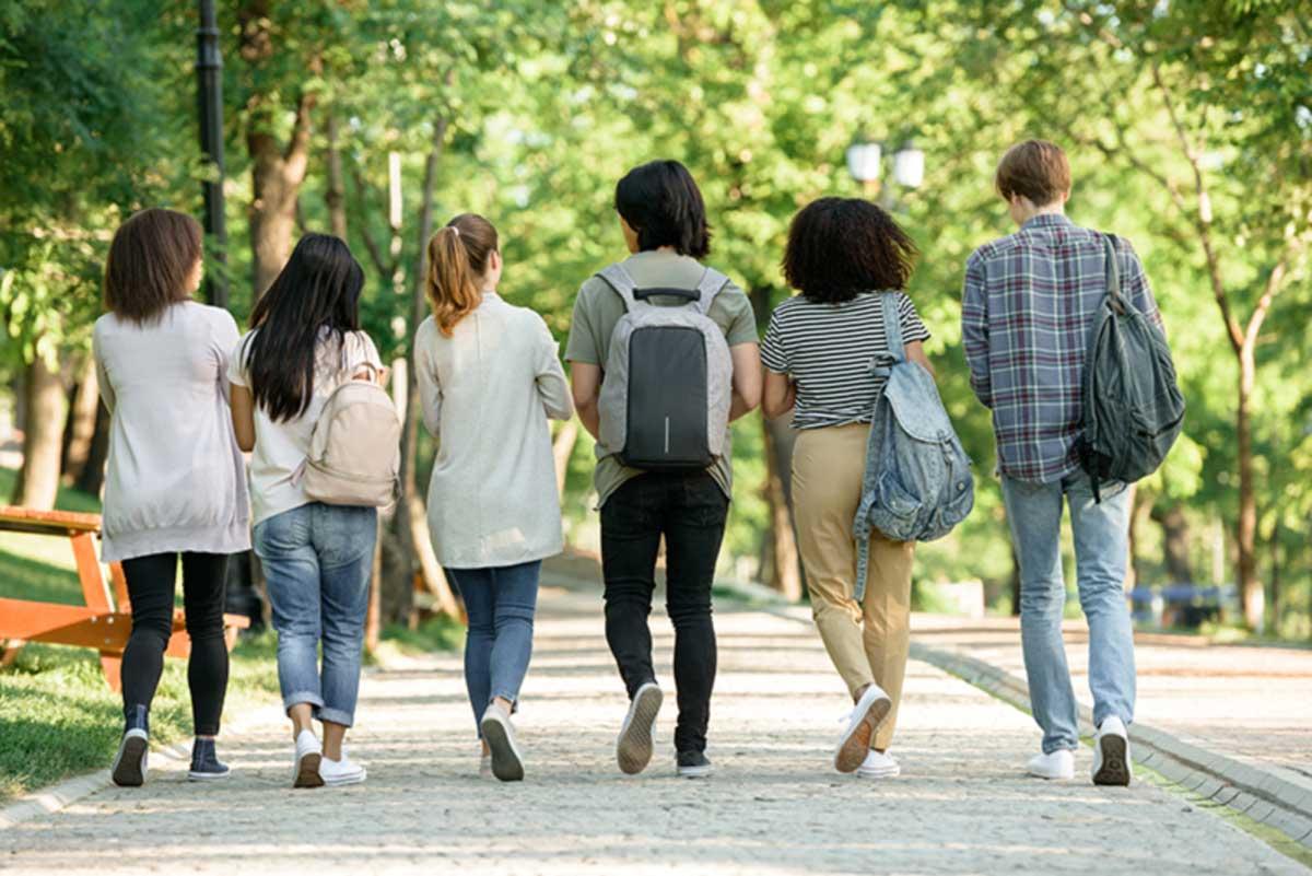 Efecte psihologice ale întoarcerii din online în clasă