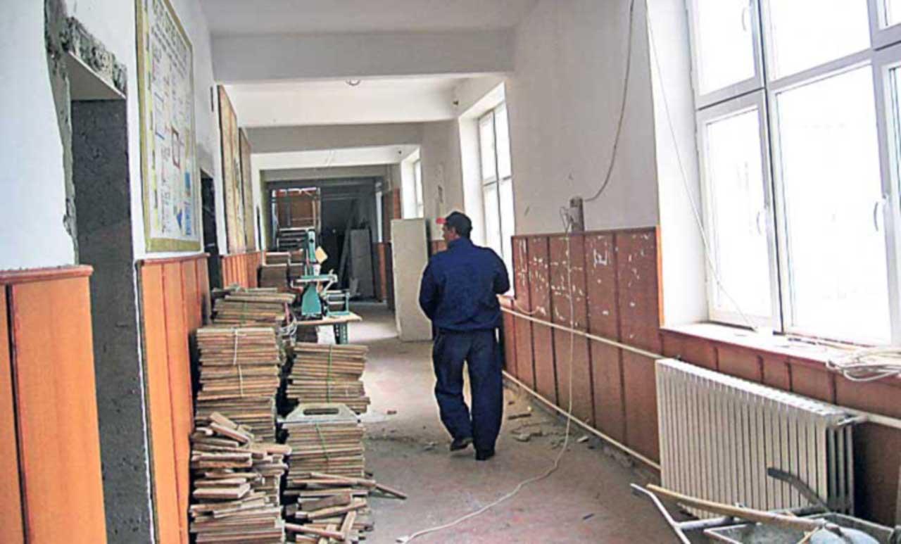 Reparații, renovări, autorizări în pregătirea noului an școlar